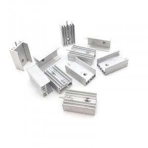 Радиатор алюминиевый ребристый 15х10х30 мм с фиксацией
