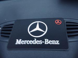 Антискользящий коврик  MERSEDES-BENZ (19*12см)